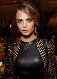 Cara Delevingne attends the BAFTA Los Angeles Tea Party at The Four Seasons Hotel on January 2015 in Beverly Hills, California. Cara Delevingne, Look Fashion, Fashion Models, Catwalk Models, English Fashion, Celebs, Celebrities, Belle Photo, Pretty Woman