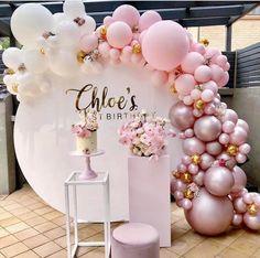 Photo 1st Birthdays, 1st Birthday Parties, Girl Birthday, Cake Birthday, Classy Birthday Party, Birthday Balloon Decorations, Baby Shower Decorations, Decoration Party, Birthday Backdrop