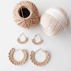 Mini Hoop Earrings, Pearl Earrings, Crochet Shoes Pattern, Thread Art, Coral Jewelry, Diy Accessories, Slow Fashion, Crochet Projects, Hand Embroidery