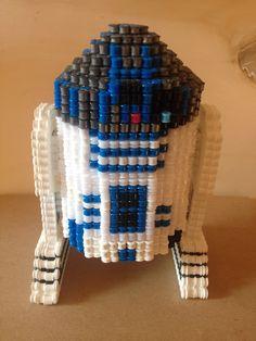 hama beads Foto para la plantilla de R2-D2.STAR WARS..( foto.1 )