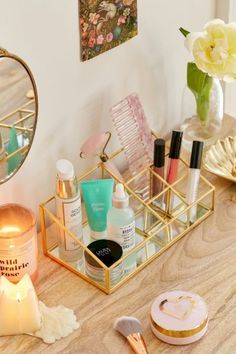 10 DIY Storage Makeup-DIY Exquisite Tutorials - 10 DIY Storage Makeup-DIY Exquisite Tutorials Best DIY These clever makeup storage ideas are going to make all your important daily needs organized. These trendy DIY makeup organizer and storage . Diy Makeup Organizer, Make Up Organizer, Makeup Storage Organization, Bathroom Organization, Diy Storage, Beauty Organizer, Perfume Organization, Storage Organizers, Make Up Storage