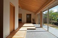 {w} When the edge between outside/inside given by the floor / wall / roof are not at the same spot. Japanese Style House, Traditional Japanese House, Atrium, Interior Architecture, Interior And Exterior, Cafe Japan, Floor Molding, Japanese Interior, House Landscape