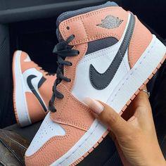 Cute Nike Shoes, Cute Sneakers, Nike Air Shoes, Shoes Sneakers, Jordan Sneakers, Winter Sneakers, Shoes Jordans, Pink Nike Shoes, Kd Shoes