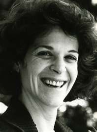 Gilda Radner had one of the most real and genuine smiles. One of the many reasons why she was beautiful.