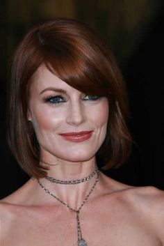 Laura-Leighton-Aubrun-Red-Short-Bob-Haircut-With-Side-Swept-Bangs-For-Weddings-For-Women-Over-50.jpg (334×500)
