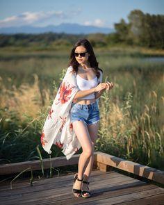 Long Floral Kimono, White Kimono, Long Kimono, Kimono Top, Simple Casual Outfits, All Black Outfit, Kimono Fashion, Simple Style, Summer Collection