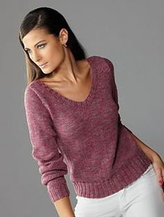 This is not your typical reversible sweater. Instead of being able to be worn inside-out, it does not matter if you wear the scoop neck or v-neck as the front. What makes this body-skimming pullover a wardrobe staple is the thick ribbed edge combined with the stockinette body. The instructions state that 3.5-4.50 mm needles are required in order to achieve gauge for the 2 different fabrics.