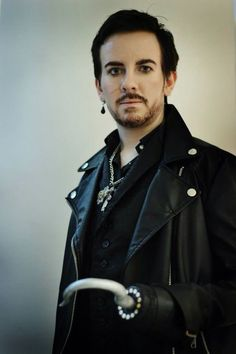 He looks a lot like Colin O Donoghue. Wow!! Awesome cosplayer
