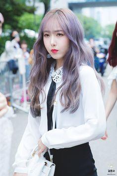 Kpop Girl Groups, Korean Girl Groups, Kpop Girls, Sinb Gfriend, Korean Beauty Girls, G Friend, Music Photo, Together Forever, Queen B
