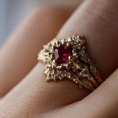 Two Tone Gold Morganite Engagement Ring Vintage Engagement Ring Vintage Morganite Ring - Fine Jewelry Ideas Ruby Jewelry, Jewelry Rings, Jewelry Accessories, Fine Jewelry, Jewelry Ideas, Ruby Necklace, Dainty Jewelry, Birthstone Jewelry, Handmade Jewellery