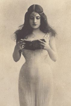 "littlepennydreadful: "" Leopold Reutlinger, Mlle. Cora Laparcerie, c. 1905 Belle Epoque Actress, Director and Poet """