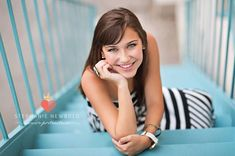 Female Photography Poses stairs | visit seniorologie com