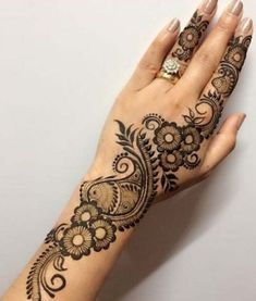 Mehndi is something that every girl want. Arabic mehndi design is another beautiful mehndi design. We will show Arabic Mehndi Designs. Easy Mehndi Designs, Henna Hand Designs, Mehandi Design For Hand, Mehndi Designs Finger, Mehndi Designs For Beginners, Mehndi Design Pictures, Mehndi Designs For Fingers, Latest Mehndi Designs, Henna Tattoo Designs