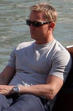 Daniel Craig, yum, yum, yum.