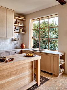A Star Modern-Rustic Kitchen in Melbourne: Australian House and Garden& Kit. A Star Modern-Rustic Kitchen in Melbourne: Australian House and Garden& Kitchen of 2019 by Studio Ezra Australian Homes, Australian Garden, Kitchen Pictures, Cuisines Design, Modern Rustic, Modern Luxury, Interior Modern, Coastal Interior, Interior Architecture