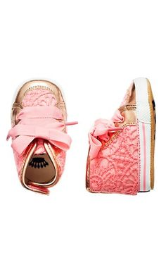 Cutest baby shoes- @Kelsey Tomlinson these are those shoes I was telling you about that I saw at Home Goods!