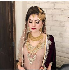 You are in the right place about Bridal Outfit 2019 Here we offer you the most beautiful pictures about the Bridal Outfit for bridesmaid you are looking for. When you examine the part of the picture y Pakistani Bridal Makeup Hairstyles, Bridal Hairstyle Indian Wedding, Pakistani Wedding Outfits, Pakistani Bridal Dresses, Bridal Outfits, Indian Bridal, Bridal Makeup Looks, Bridal Hair And Makeup, Bride Makeup