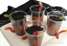 Wiggle Worm Dirt Pudding - made this for my students on Halloween - it was awesome!