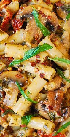 Mushroom Chicken Pasta with creamy Pesto sauce and sun-dried tomatoes - Perfect…