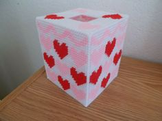 Valentines Day Hearts, Valentine Day Crafts, Rustic Home Design, Plastic Canvas Tissue Boxes, Tissue Box Covers, Design Styles, House Design, Handmade, Hand Made