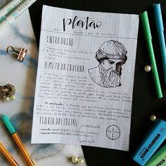 """[ resumos no tumblr - link na bio ] Finalmente postei alguns resumos de filosofia! Espero que eles ajudem 💙 PS: faltou um """"i"""" em """"maiêutica"""" (parto de ideias). Bullet Journal Cover Ideas, Bullet Journal Notes, Cute Notes, Pretty Notes, College Notes, School Notes, Mental Map, Kunstjournal Inspiration, School Organization Notes"""