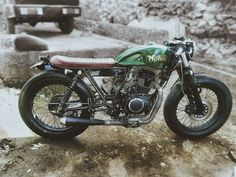 Green is life #caferacer #bratcafe #hondanorton