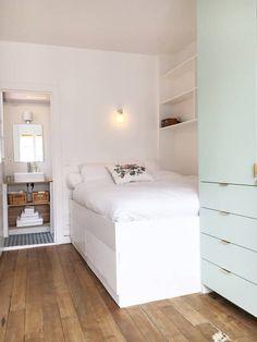 Ganhe uma noite no *Romantic studio with balcony. Best area & quiet* - Apartamentos para Alugar em Paris no Airbnb!