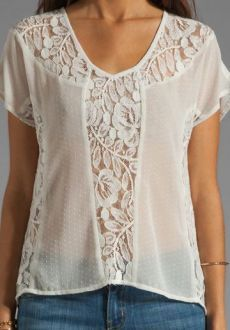 Plus Size Blouses For Ending Your Summer blusas lace lacetops tops Modest Fashion, Fashion Outfits, Mode Chic, New Fashion Trends, Trending Fashion, Elegant Outfit, Plus Size Blouses, Revolve Clothing, Street Style Women
