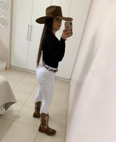 Women S Fashion Designer Brands Referral: 7356523241 Cowgirl Outfits For Women, Cowgirl Style Outfits, Rodeo Outfits, Western Outfits, Cute Outfits, Cow Girl Outfits, Summer Cowgirl Outfits, Casual Outfits, Country Casual