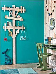 20+ Incredible DIY Pallet Furniture for Kids---Pallet Electric Pole Shelf
