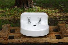 Refinished 1957 Rounded Backsplash Apron Wall Mount Cast Iron Porcelain Bathroom Sink
