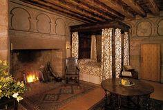 Gladstone's Land, Edinburgh. Modern recreation of a 17th century room