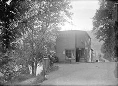[Bowen Island Post Office and general store] - City of Vancouver Archives