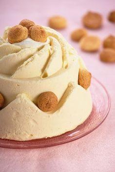 Bitterkoekjespudding - Robèrt van Beckhoven Flan, Best Chocolate Desserts, Panna Cotta, Mousse Dessert, British Baking, Dutch Recipes, Pudding Desserts, Xmas Food, Dessert Buffet