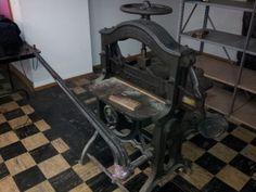 Challenge Advance Guillotine Manual Paper Cutter- Antique