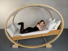 ユニークな揺りかご状のベッド「Private cloud」 - GIGAZINE
