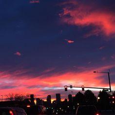 Monday Morning Mile High Broncos Sunrise!  #happymonday #broncos #sunrise #denver #denvercolorado #broncosnation #orangeandblue #denvertography