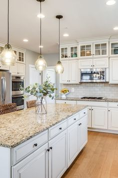 JUST LISTED: 6 Properties in Loudoun, Prince William & Clarke - We love the fresh white cabinets combined with a warmer countertop and wood floor. Not to mention t - Home Decor Kitchen, Kitchen Remodel, Kitchen Decor, Kitchen Remodel Small, White Kitchen Cabinets, Kitchen Redo, Home Kitchens, Kitchen Renovation, Kitchen Design