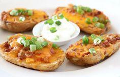 Πατάτες+φούρνου+γεμιστές+με+τσένταρ+και+μπέϊκον