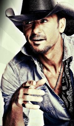 Tim McGraw is always one of our favorites! Class, style, and of course, good looks. Male Country Singers, Country Musicians, Country Music Artists, Country Music Stars, Hot Country Men, Country Boys, Tim And Faith, Tim Mcgraw Faith Hill, George Strait