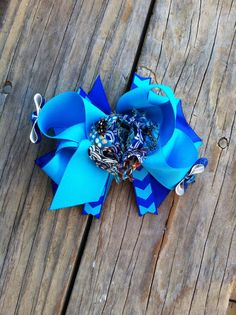Shabby Boutique Bow on Etsy, $8.00