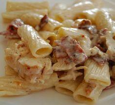 Pasta dishes recipes with bacon Bacon Recipes, Pasta Recipes, Chicken Recipes, Dinner Recipes, Pasta Dishes, Food Dishes, Cookbook Recipes, Cooking Recipes, Chicken Bacon Pasta