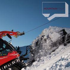 Zillertal Arena: Pistenpräparierung unter Einsatz eines Windenseils. ©Zillertal Arena #mountaintalk #photooftheday #potd