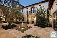 Spanish style homes – Mediterranean Home Decor Hacienda Style Homes, Spanish Style Homes, Spanish House, Spanish Colonial, Spanish Mansion, Spanish Revival, Colonial Mansion, Courtyard Design, Courtyard House