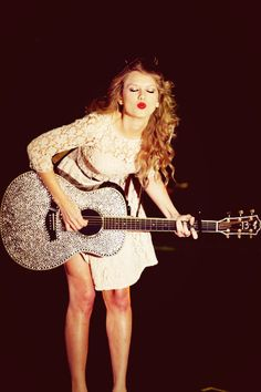 Taylor Swift<3 love her