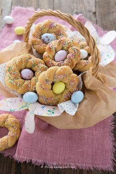 Easter Dishes, Biscotti Cookies, Fast And Slow, Mickey Mouse Cake, Easter Bunny Decorations, Biscuit Recipe, Macaron, Easter Recipes, Sugar Cookies