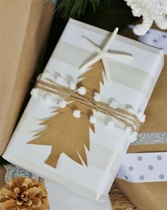 Creative Christmas Gift Wrapping Ideas - Sand and Sisal Christmas Gift Exchange, Christmas Gift Box, Christmas Gift Wrapping, Christmas Giveaways, Christmas Tree, Christmas Paper, White Christmas, Creative Christmas Gifts, Creative Gift Wrapping
