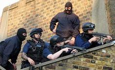 met police - Google Search Cops, Crime, Police, British, Google Search, Wall, Walls, Crime Comics, Law Enforcement