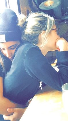 Can& think straight. Cute Lesbian Couples, Lesbian Pride, Lesbian Love, Cute Couples Goals, Couple Goals, Cute Relationship Goals, Cute Relationships, Girlfriend Goals, Gay Aesthetic