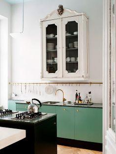 Balcão de cozinha verde Fonte: bloodandchampagne